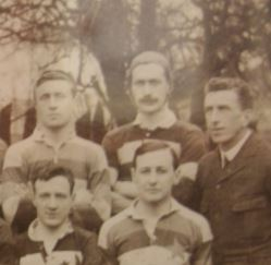 FS Chapman (Back Row, Centre) with his 1913-14 team mates